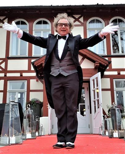 falscher Kellner und Butler in Freiburg